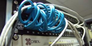 Tworzenie i konfigurowanie sieci komputerowych przewodowych i bezprzewodowych (WiFi)